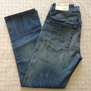AEO Extreme Flex Relaxed Straight Jeans, 4 (26x28)